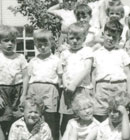 A class photo of the 1962 children.
